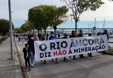 Povo saiu à rua contra a mineração na região